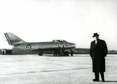 First flight of the Dassault Mystère IV in 1952. Marcel Dassault in front of a Mystere IV © Dassault Aviation - DR