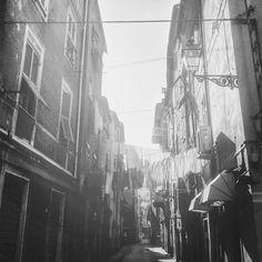 Sun in white, reality in black #no_colours #ig_global_bw #mono #bnw_demand #bnw_diamond #bnw_captures #bnw_city #bnw_life #bnw_universe #bnw_globe #bnw_society #bnwlovers #bnw_italia #monoart #vsco #vscocam #gallery_of_bw #bnw_sniper #irox_bw #monochrome #monotone #urbanart #igersbnw #igblackandwhite