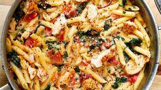 Bacon Pasta, Spinach Pasta, Penne Pasta, Chicken Pasta, Pasta Salad, Strawberry Banana Cheesecake Salad, Chicken Slices, Tasty, Yummy Food