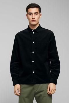 Wise Cord Shirt - Black - Shirts - Weekday GB Workout Shirts, Corduroy, Black Shirts, Photoshoot, Shirt Dress, 30th, Sleeves, Model, Mens Tops