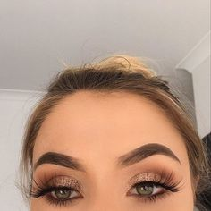 Lashes On Point - - Lashes On Point Beauty Makeup Hacks Ideas Wedding Makeup Looks for Women Makeup Tips Prom Makeup ideas Cut Natural Makeup Halloween Makeup and More Ki. Beauty Make-up, Beauty Hacks, Hair Beauty, Natural Beauty, Beauty Tips, Bridal Makeup, Wedding Makeup, Ball Make-up, Peinado Updo