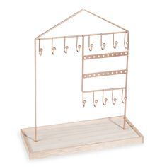 Decorate your daughter or son's bedroom with Maisons du Monde. jewellery holder, rocking horse, statuettes of dancers, pink alarm clock, and much more. Jewellery Storage, Jewelry Organization, Home Organization, Metal Jewellery, Jewelry Stand, Jewelry Holder, Organizar Closet, Cute Furniture, Room Planning