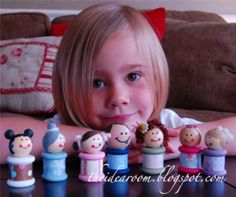 Uses for wooden thread spools image by huntleygang on Photobucket - Picture Only, add your imagination and possibilities are limitless. New Crafts, Doll Crafts, Crafts To Do, Wooden Spool Crafts, Wood Spool, Wood Peg Dolls, Clothespin Dolls, Clothespin Crafts, Operation Christmas Child