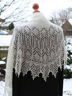 Ravelry: Snow Angel pattern by Boo Knits lace 550-750m
