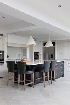 Kitchen Room Design, Kitchen Redo, Modern Kitchen Design, Kitchen Layout, Home Decor Kitchen, Interior Design Kitchen, Home Kitchens, Kitchen Remodel, Design Kitchen Island