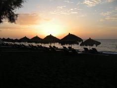Enhance your experience using social media Santorini Sunset, Social Media Art, Honeymoon Hotels, Crete, Around The Worlds, Romantic, Vacation, Luxury, Beach