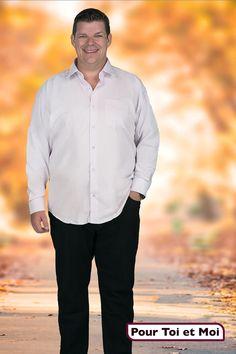 Chemise homme grande taille. Divers coloris. #mode #grandetaille #Tshirt #polo #shirt #chemise #blazer #jacket #veste #débardeur  #sweatshirt #gilet  #pullover  #celebratemysize #effyourbeautystandards  #plussizemasculino #plussizemenswear #hommegrandetaille #whatisplussize Sweat Shirt, Chef Jackets, Shirt Dress, Blazer, Mens Tops, Shirts, Dresses, Fashion, Plus Sized Clothing