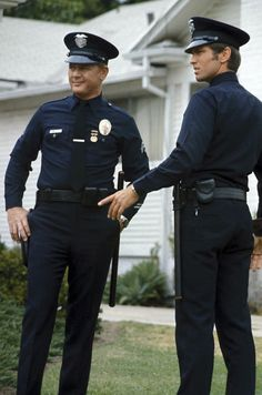 Martin Milner and Kent McCord from the series Police Tv Shows, Cops Tv, Martin Milner, Willis Family, Adam 12, Los Angeles Police Department, Military Pictures, Old Shows, Handsome Actors