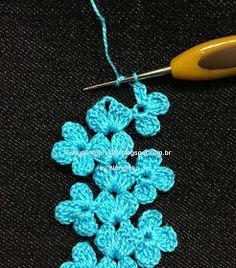 Lovely #crochet tutorial for flower edging. Website is in Portuguese. | Ponto Preso1: PAP - Uma Rendinha Barrada ... | Sonia | Pinterest | Photo Tutorial, Croc…