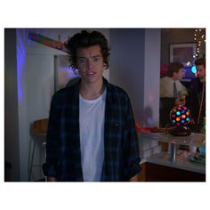 Why Is Harry Styles Soaking Wet In One Direction's 'Midnight Memories'... ❤ liked on Polyvore featuring one direction, harry styles, harry, pictures and 1d