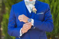 Costume de mariage bleu avec noeud papillon de couleur by Sur mon 31. #wedding #suit