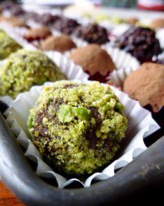 Raw Cacao Truffles : 4-Ways