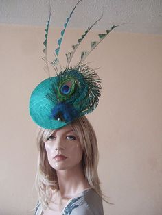 Items similar to Jade Green Upright Convexed Disc with Peacock Fan and Zig Zag Cut Feathers Fascinator Hatinator Hat - Ascot on Etsy Fascinator Hats, Fascinators, Headpieces, Sinamay Hats, Feather Headpiece, Millinery Hats, Feather Headband, Royal Ascot Races, Ascot Hats