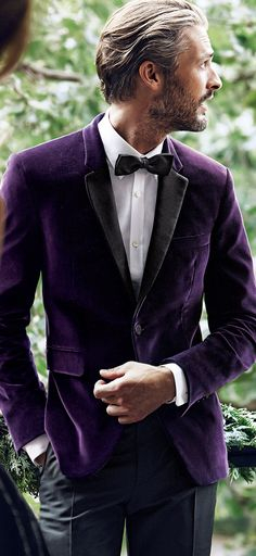 Velvet blazer for Brett for next year's September or October wedding I'd love to see a groom in deep purple velvet or navy . This would look stunning in Fall or Winter.