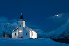 Silpollen Church - Austnesfjorden Lofoten Land Of Midnight Sun, Scandinavian Architecture, North Design, Church Pictures, Church Interior, Visit Norway, Arctic Circle, Lofoten, Cathedrals