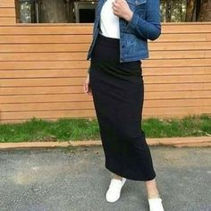Skirt pencil denim fashion Ideas for 2019 Hijab Look, Hijab Style, Hijab Chic, Hijab Fashion Inspiration, Mode Inspiration, Muslim Fashion, Modest Fashion, Denim Fashion, Fashion Outfits