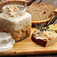 Recept : Rillettes s tymiánem a česnekem | ReceptyOnLine.cz - kuchařka, recepty a inspirace Mashed Potatoes, Banana Bread, Slow Cooker, Sausage, Homemade, Cooking, Health, Ethnic Recipes, Desserts