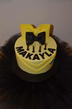 Emma Wiggle inspired cake with black tutu Wiggles Birthday, Wiggles Party, 1st Birthday Girls, Tutu Cakes, Bow Cakes, Emma Wiggle, Wiggles Cake, Birthday Cakes, Birthday Parties
