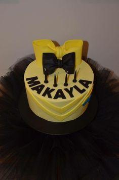 Emma Wiggle inspired cake with black tutu