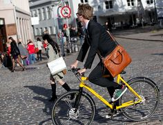 We have a dearth of Cycle Chic men biking here in Copenhagen. Danish men use less money on their clothes than any other people. Urban Cycling, Urban Bike, Danish Men, Fixed Gear Bike, Cycle Chic, Cycling Bikes, Bike Life, Travel Style, Copenhagen