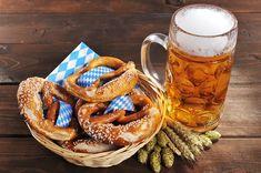 What Exactly Is Oktoberfest, Anyway? Oktoberfest Party, German Beer, Beer Tasting, Best Chicken Recipes, Mulled Wine, Orange Recipes, Crab Cakes, Best Beer, Wine Recipes