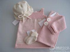 8款简单实用的婴儿毛衣款式推荐