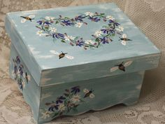 Cottage Garden Tea Box Keepsake Herbs Bees Ladybug by wallwhispers Shabby Chic Boxes, Bee Party, Tea Party Bridal Shower, Event Themes, Tea Box, Hat Boxes, Nesting Boxes, Tea Caddy, Painted Boxes