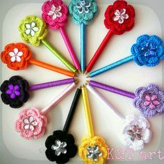 Crochet flower pen #crochet