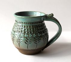 Wonderful pottery techniques - look at our short article for a lot more innovations! Hand Built Pottery, Slab Pottery, Pottery Mugs, Pottery Bowls, Ceramic Pottery, Pottery Supplies, Clay Mugs, Wheel Thrown Pottery, Pottery Techniques