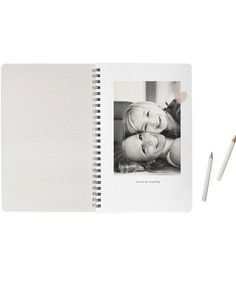 Mom Love Weekly Planner | Use our list of the best 2017 Christmas gifts for mom including great ideas of gifts from a daughter or son.