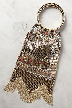 a must carry for new years eve: fringed clutch from anthropologie Plaid Fashion, Green Fashion, Fashion Bags, Moda Mania, Cool Girl Style, New Years Dress, How To Wear Leggings, Athleisure Fashion, Summer Bags