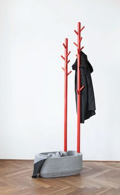 an ultra modern coat rack of a concrete bowl and red metal trees hang your clothes and accessories on them and put something into the bowl, too Diy Furniture Plans, Small Furniture, Furniture Decor, Furniture Design, Diy Coat Rack, Coat Hanger, Coat Racks, Beton Design, Concrete Design