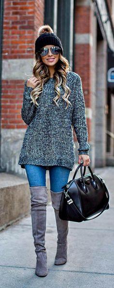 Grey ribbed sweater worn by Mia Mia