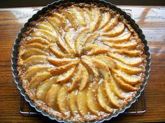 10 Minute (Beautiful) Pear Tart – Art of Natural Living Easy Smoothie Recipes, Good Healthy Recipes, Snack Recipes, Cooking Recipes, Pear Recipes, Coconut Recipes, Pear Dessert Recipes, Fruit Tart, Sweet Tooth