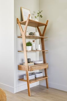 Open concept shelving serves double-duty: it demands a thoughtful, edited presentation, meaning everything you display will be beautiful and pragmatic. Interior, Cheap Home Decor, Home Decor, Apartment Decor, Oak Shelves, Shelves In Bedroom, Remodel Bedroom, Oak Shelving Unit, Shelving