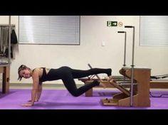 Vídeoaula: Plank + variações, Chair - Pilates Bruna Marchetto - YouTube