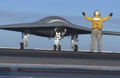 X-47B unmanned jet fighter starts light workouts aboard USS Truman (video)