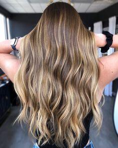 Qué es la técnica 'tweed balayage' y por qué querrás llevarla en tu pelo Hair Color Balayage, Blonde Balayage, Blonde Hair Texture, Light Brunette Hair, Hair Dye Tips, Lighter Hair, Light Brown Hair, Hair Looks, Dyed Hair