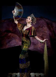 an experiential beauty, lifestyle and travel site based in the Philippines. Davao, Philippines Dress, Philippines Culture, Modern Filipiniana Dress, Zamboanga City, Iloilo City, Filipino Fashion, Spanish Dress, Mindanao