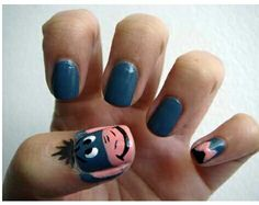 Eeyore Winnie the Pooh nails. My mom was such an Eeyore fan! Fancy Nails, Cute Nails, Pretty Nails, Crazy Nails, Eeyore, Nail Art Disney, Disney Diy, Comic Nail Art, Hair And Nails