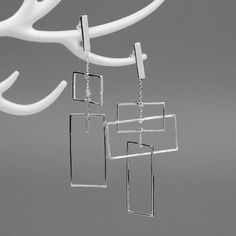 Magnify your everyday style with this gleaming 925 Sterling Silver silver-tone or 925 Sterling Silver gold-tone earrings for an elegant & sophisticated accent look. Charm Jewelry, Fine Jewelry, Jewellery, Silver Bars, Handmade Silver, Handmade Jewelry, Women's Earrings, Silver Earrings