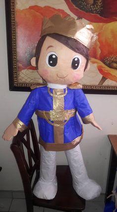 Prince Birthday Party theme pinata/ Piñata del tema de principe