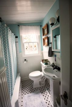 Jen Andrews Colorful Bungalow BathroomTiny BathroomsBungalow DecorBungalow HomesSmall Vintage