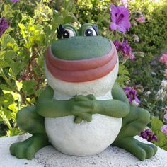 Nanette the Frog statue - Gnomeo and Juliet