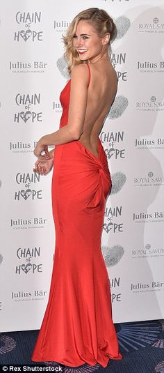 Lizzie Cundy suffers the ultimate wardrobe malfunction as she slips out of unsupportive ball gown at glamorous event Kimberley Garner, Backless Top, Pink Gowns, Dress Out, Indian Wear, Ball Gowns, Celebrity Style, Cool Outfits, Celebs
