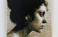 V karlovarské Becherově vile začala výstava Zuzana Mináčová - Život s fotoaparátem. Mináčovou představuje ne jako dokumentaristku, ale autorku fotografických cyklů z její volné tvorby. Výstava potrvá do 10. září.