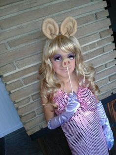 day 247 miss piggy pig day costume theme me is a blog that follows a personal challenge to. Black Bedroom Furniture Sets. Home Design Ideas
