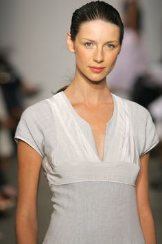 31 HQ old pics of Caitriona Balfe on the catwalk | Outlander Online