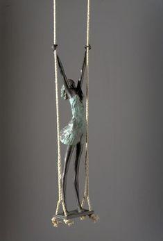 Paper Mache Clay, Paper Mache Sculpture, Sculptures Céramiques, Paper Mache Crafts, Pottery Sculpture, Wire Crafts, Clay Art, Sculpture Art, Paperclay