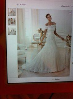 Kanten jurk, erg mooi. www.honeymoonshop.nl